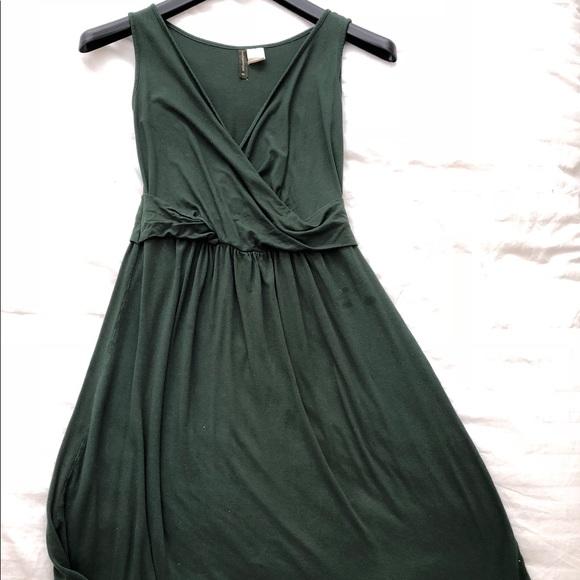 Mothers en Vogue Dresses & Skirts - Green maternity dress tank top